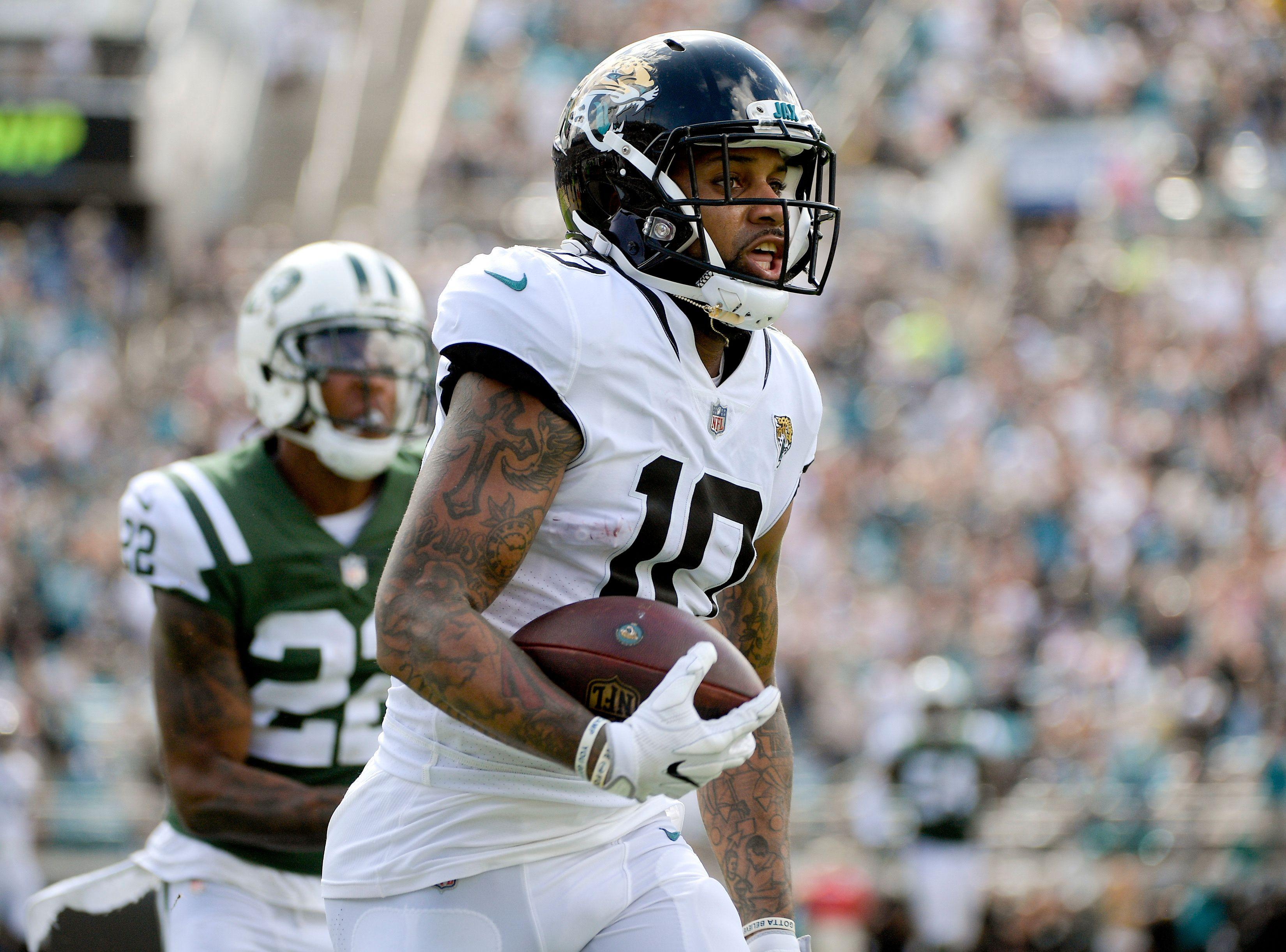 After Antonio Brown trade, Steelers sign Donte Moncrief