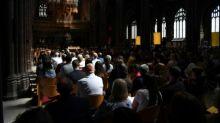 Großbritannien gedenkt der Opfer des Bombenanschlags von Manchester