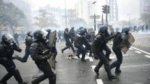 LBD, grenades, sommations... Six choses à savoir sur la nouvelle doctrine du maintien de l'ordre en France
