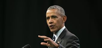 Obama returns to campaign trail for first time