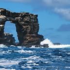 Darwin's Arch loses its top due to erosion in Galapagos