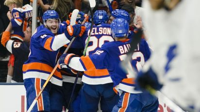 Islanders find a way to stay alive vs. Lightning