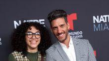 Elyfer Torres con Erick Elías y más Betty en Natpe