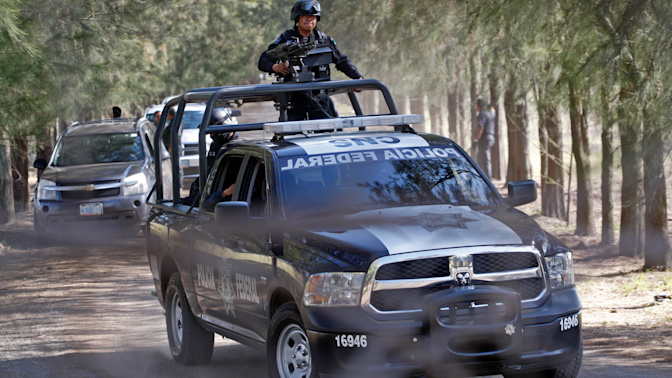 Rescatan con vida a candidata en Michoacan