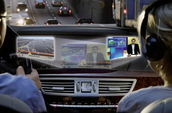 Mercedes shows off Splitview display, other dashboard perks in the 2010 S-Class