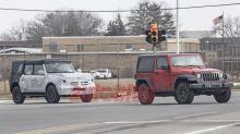 2021 Ford Bronco spied alongside Jeep Wrangler