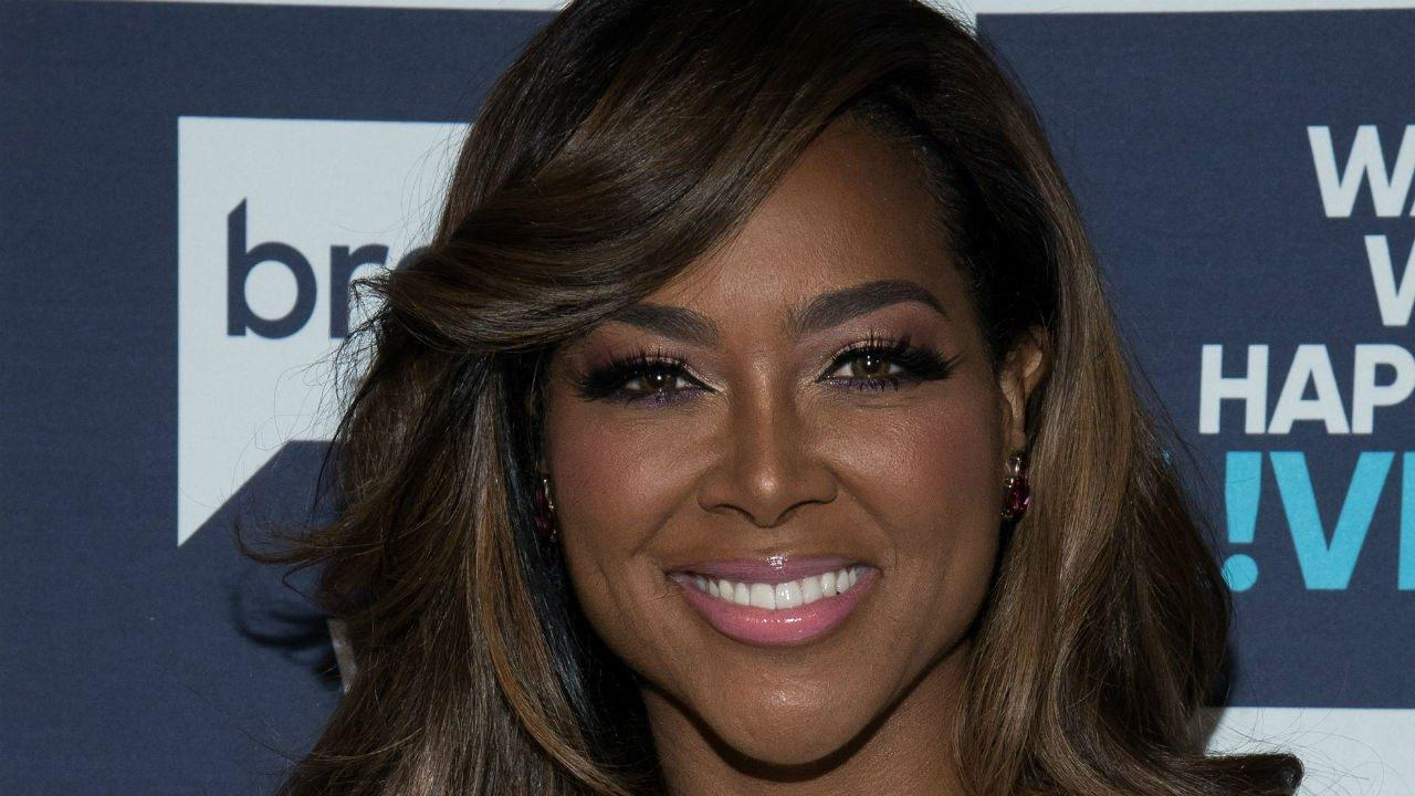 Kenya Moore Rocks A Bikini For Her 48th Birthday 2 Months After Giving Birth