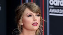 Pop star Taylor Swift uses social media muscle to boost voter sign-ups