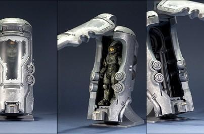 Master Chief and his cryotube toy set