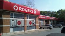 This Is Why Rogers Communication Inc. (TSX:RCI.B) Outperformed Telus Corporation (TSX:T) Last Year