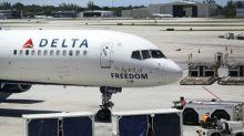 Delta ofrecerá hasta 10.000 dólares a pasajeros voluntarios en caso de sobreventa