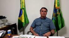 Sem máscara, Bolsonaro elogia cloroquina e diz que não promove ódio