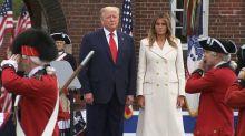 Trump scopre la mascherina: mi fa assomigliare a Lone Ranger