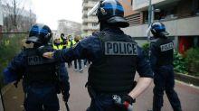«Gilets jaunes»: Un journaliste de BFMTV a reçu des coups de matraque d'un policier, selon un collègue