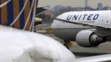 United Airlines suspends 2020 guidance on coronavirus uncertainty