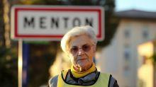 Amnesty International : une septuagénaire relaxée après avoir aidé des migrants