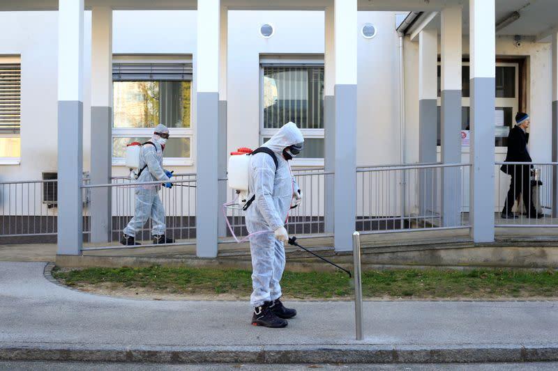 Slovenia, Croatia reach daily records in COVID-19 cases
