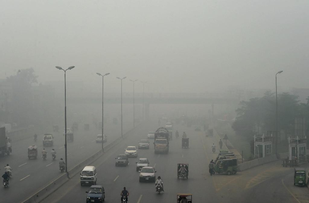 """The Pakistan Meteorological Department has forecast """"moderate levels"""" of smog to persist in Lahore and its adjoining areas for at least another five days"""