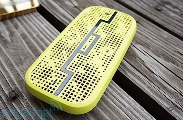 Deck Bluetooth speaker by SOL Republic and Motorola offers 300-foot range, fits in a pocket