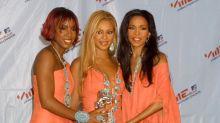 You Guys, VMAs Fashion in 2001 Was Legitimately Terrifying