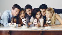 'Friends' stars Courteney Cox, Jennifer Aniston and Matt LeBlanc reunite for a 'rare night'