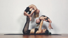 Cute alert: Instagram mom does yoga with her two kids