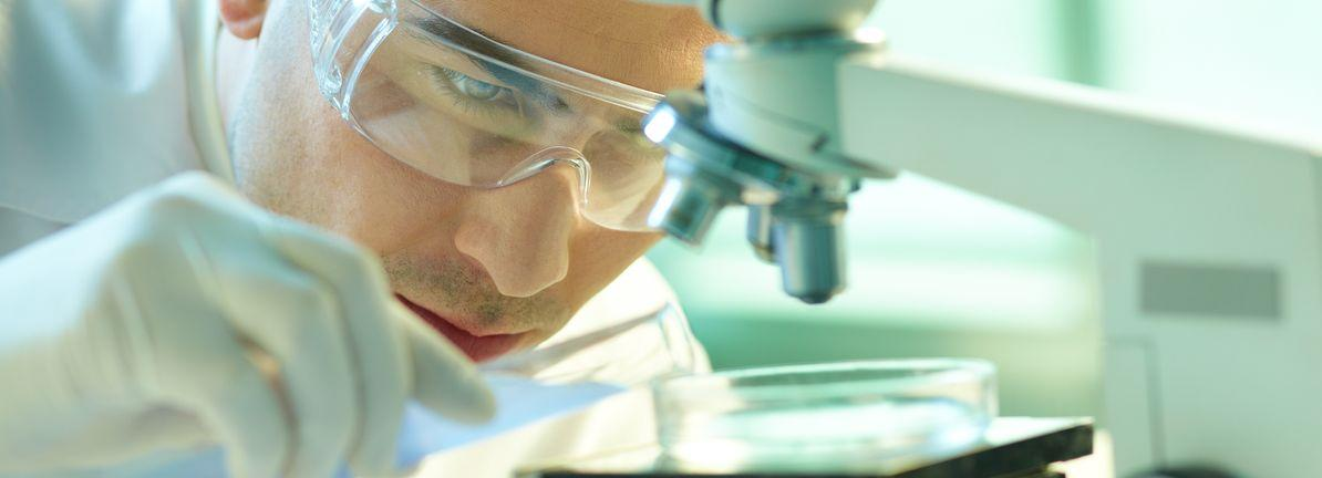 Is Jazz Pharmaceuticals plc's (NASDAQ:JAZZ) CEO Paid At A Competitive Rate?