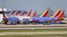 Southwest Airlines mechanics approve contract, 20% raise