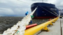 LNG tanker makes Arctic passage unaided