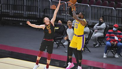 King's Court: LeBron drops 46 in return to Cleveland