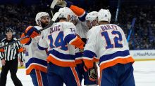 Defend NY: Jets bond while supporting Islanders in playoffs