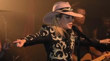 Is Lady Gaga in talks to headline Glastonbury 2017?