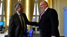 Eurozona aprueba desembolso de 6.700 millones de euros de ayuda a Grecia