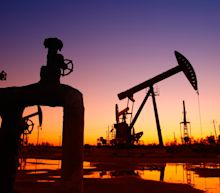 4 Top Oil Stocks to Buy Right Now