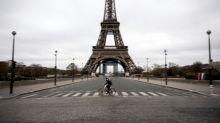 Bikes wedge their way into heavy Paris traffic