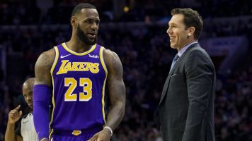 LeBron gives Luke Walton some credit
