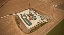 Zion Oil & Gas Raises Rig Derrick in Israel