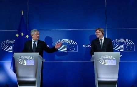 UE endurece exigencias sobre Brexit en cuestiones de residencia y banca -documento