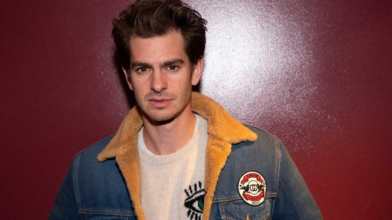 Andrew Garfield Films a Nude Scene on the Streets of Hollywood