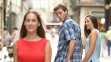 'Disloyal man', la foto viral que ha generado divertidos memes en las redes