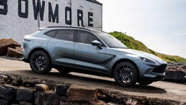 讓車輛充滿威士忌酒香!Aston Martin 推出 DBX Bowmore Edition 酒廠聯名車款