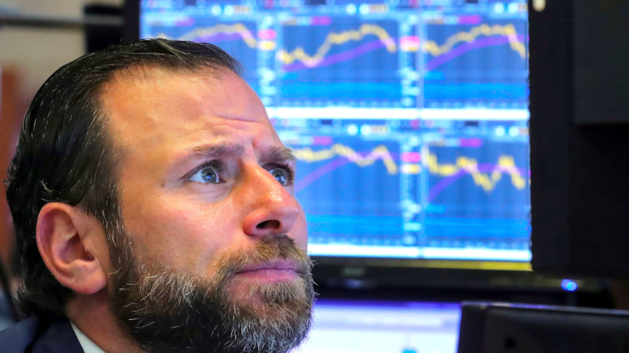 Dow loses more than 450 points, oil rebounds