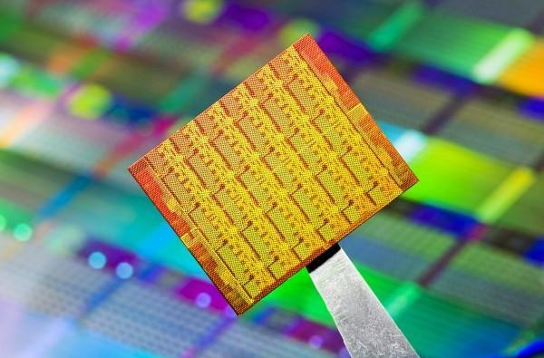 Intel's 48-core processor destined for science, ships to universities soon