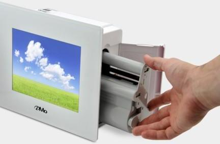 Mimo's iMo Foto Frame Printer does precisely what you'd expect