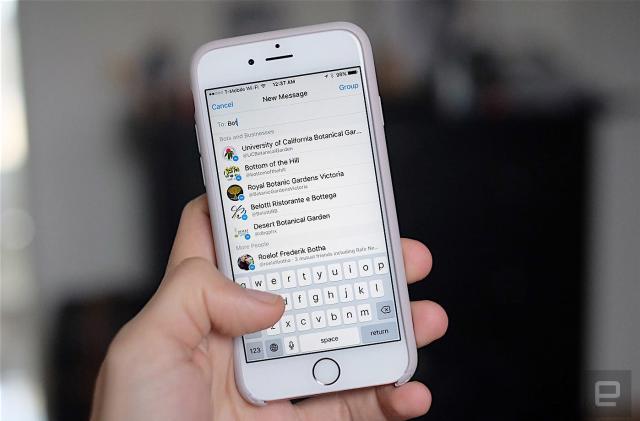 Chatbots arrive on Facebook Messenger