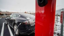 Tesla Tells New Taxi, Uber Drivers Not to Use Its Superchargers