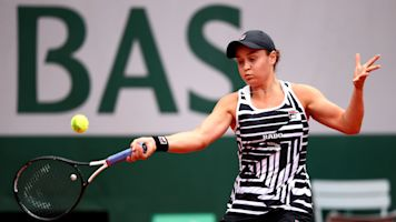 Barty beats Vondrousova to win French title