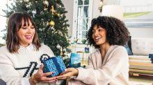 Rashida Jones Says the Worst Holiday Present Is a Cake