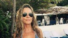 Aos 65 anos, Bruna Lombardi chama atenção na Jamaica