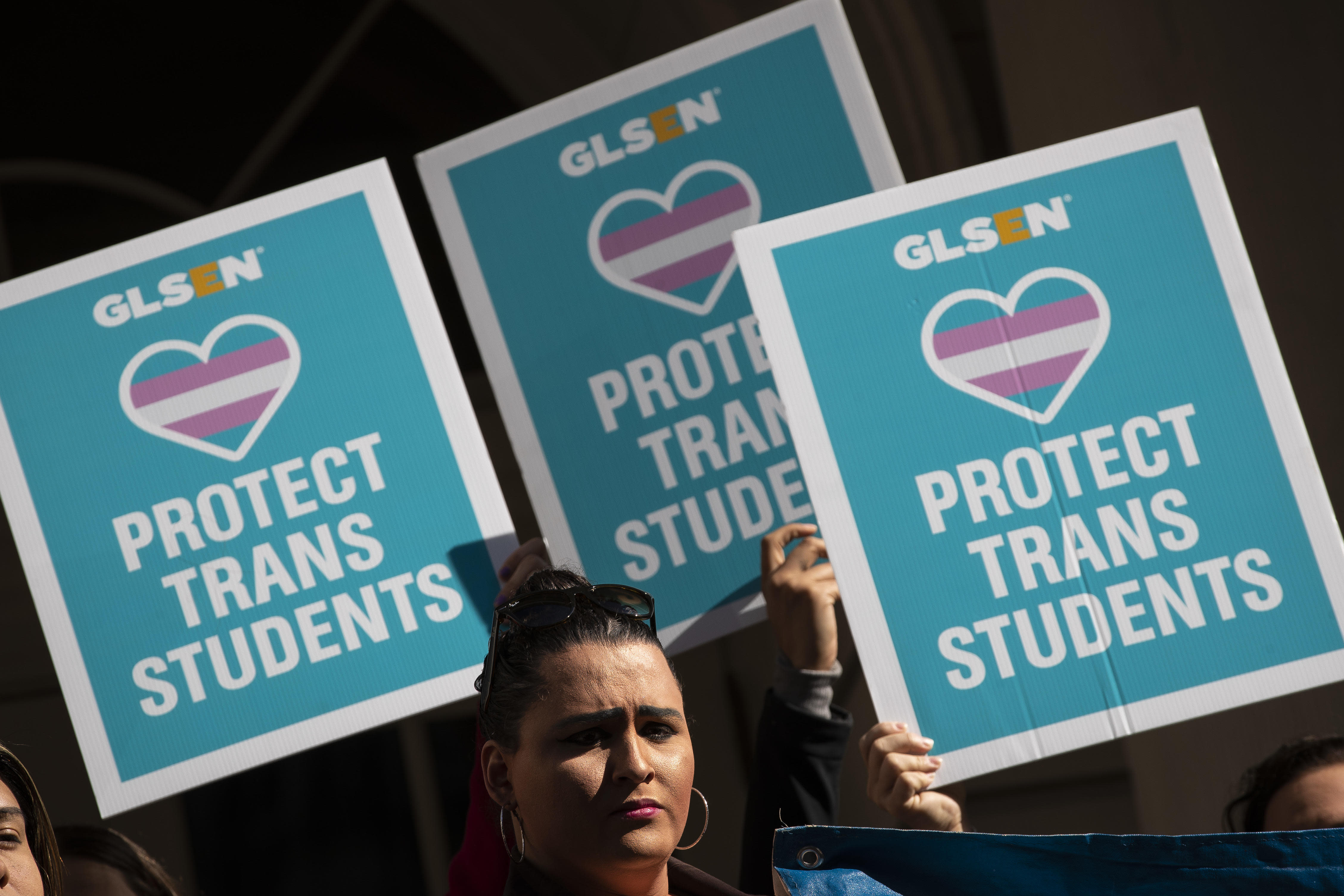 Schools must allow trans students to use bathrooms that match gender